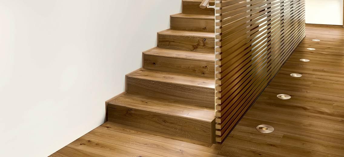 Drevený obklad schodov