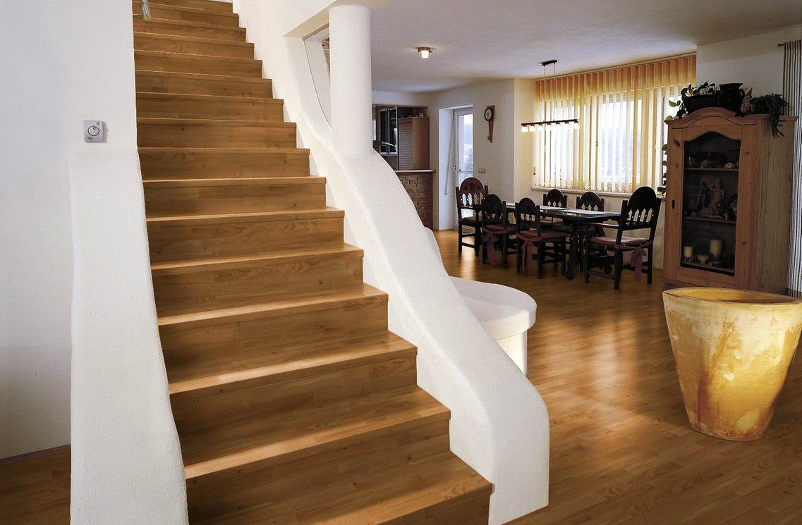 Drevený obklad schodiska